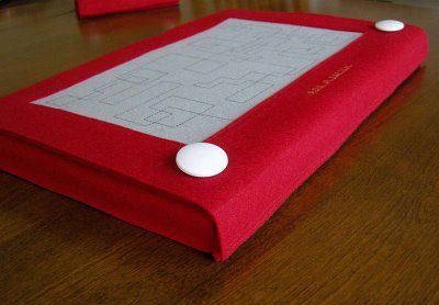 Excellent etch-a-sketch laptop case. Totally making this.
