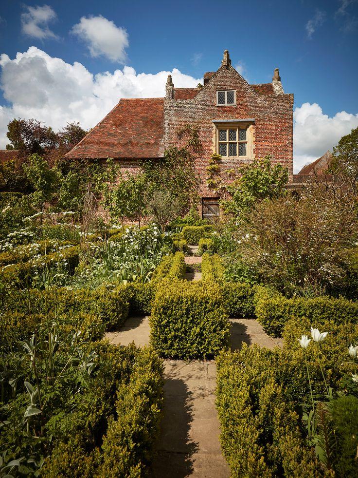 76 Best Sissinghurst Castle Garden - Vita Sackville West & Harold