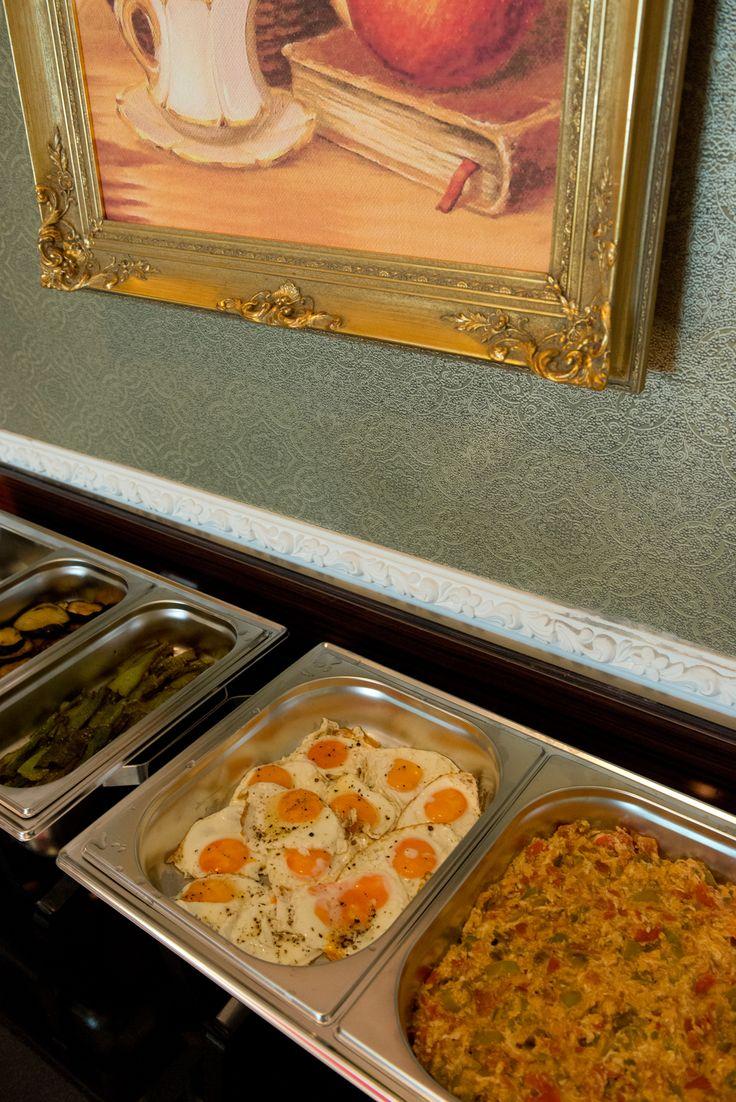 Impressie ontbijtbuffet Piri Ries