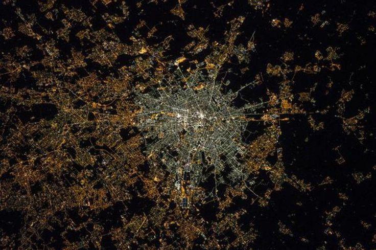 Milano, prima e dopo i led: fotoconfronto dallo spazio dell'inquinamento luminoso - 1 di 1 - Milano - Repubblica.it