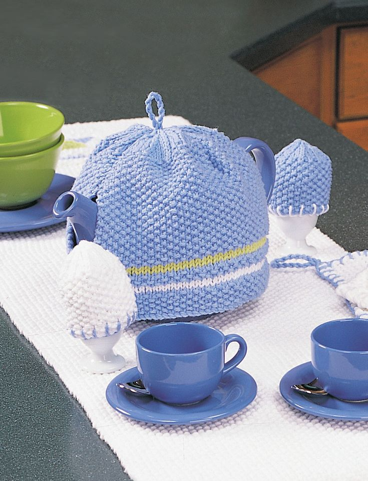 Yarnspirations Com Lily Tea Cozy And Egg Cozy Patterns