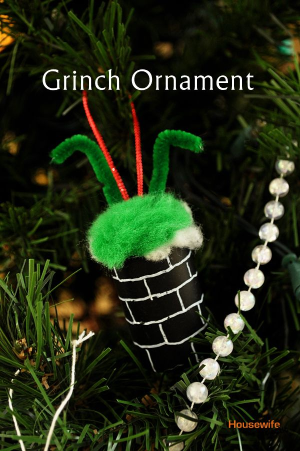 Housewife Eclectic: Grinch Christmas Ornament - could use an old pill bottle painted black