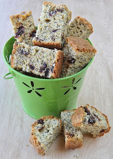 LEMON AND POPPYSEED RUSKS