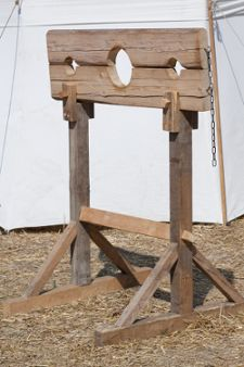 """""""pillory"""" Halloween Prop for haunted trails"""