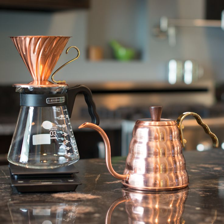 Match your copper Buono with a copper V60, and dazzle your guests while you brew.