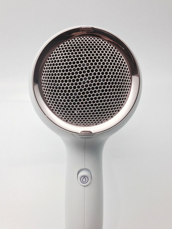 Premium HairDryer by Elodie DELASSUS, via Behance