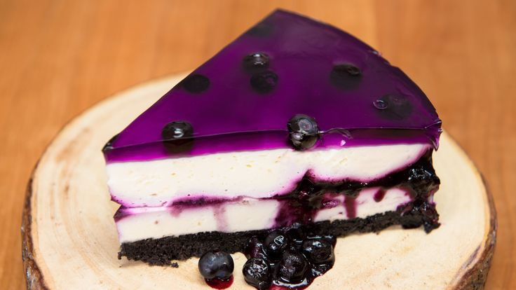 Huckleberry/Blueberry Cheesecake (No Bake Recipe) from Cookies Cupcakes ...