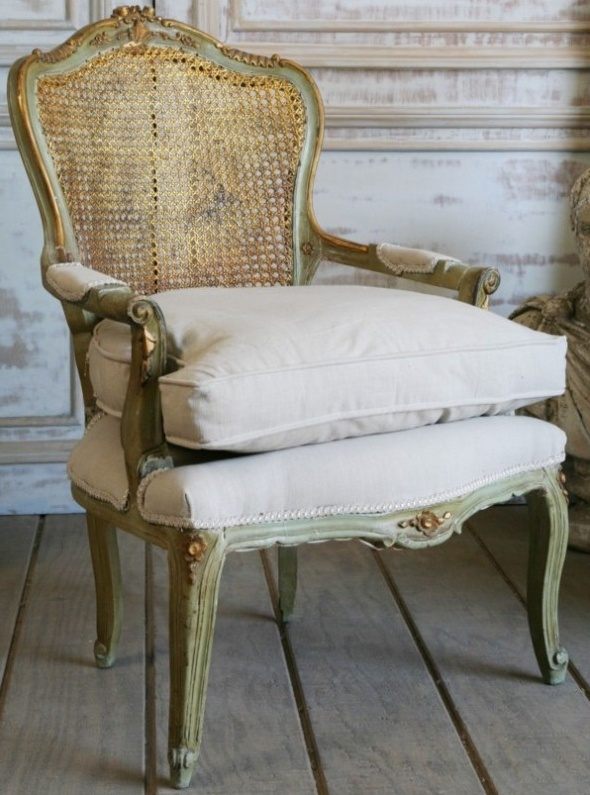 French antique chair, beautiful finish... aged beauty