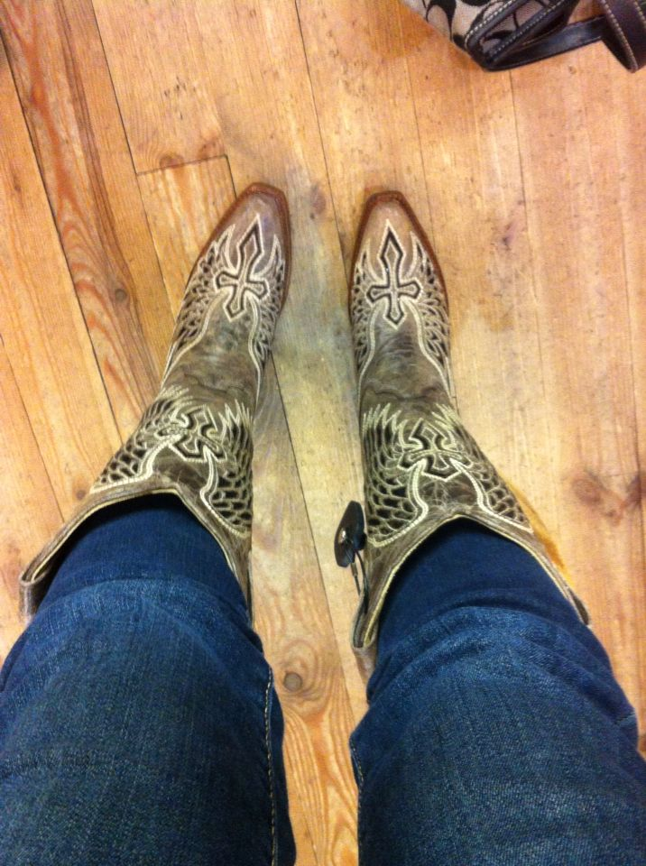 Corral Cross & Wings Cowgirl boots