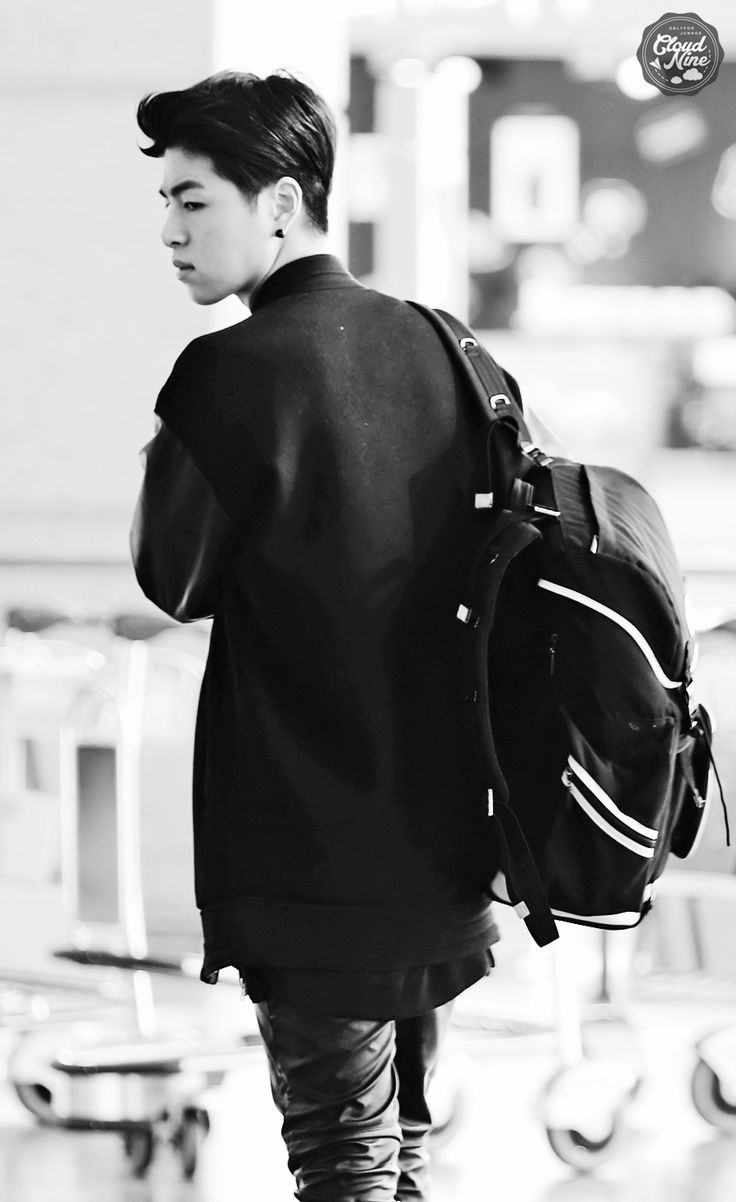 Delivering the bag. That was his only job. He made his way through the crowded airport, avoiding eye contact with those who passed him. - Art Nerd
