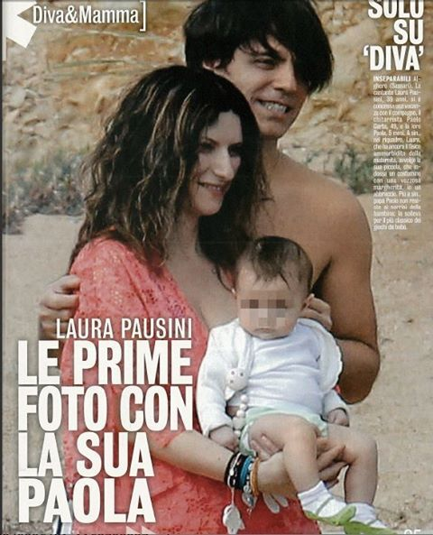 Laura Pausini wears Flavia Padovan Kaftano - look for in on marebeachwear.com