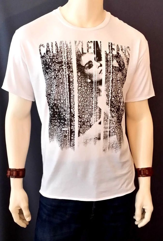 Mens Young Men's Calvin Klein Graphic Crew Neck T-Shirt Sz XLarge Short Sleeve   #CalvinKlein #CasualTee