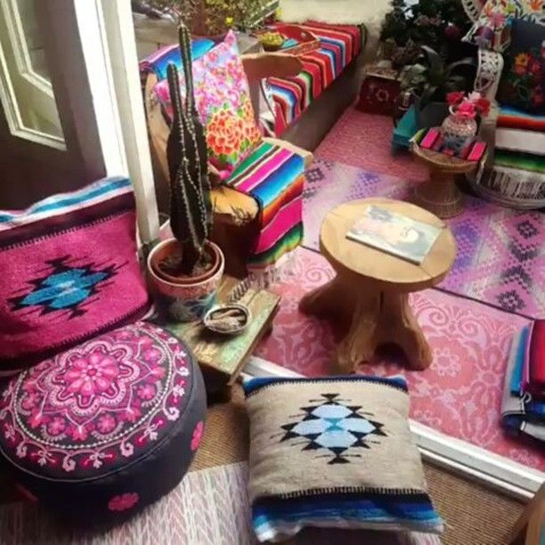 Love our #Bohohome #hippy #Garden sanctuary #EclecticLiving #Bohemian #MixedPrints