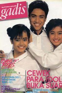 Models: Dede Yusuf (actor and vice governor), Desy Ratnasari (Runner Up I GADIS Sampul 1988 and Miss Sunsilk), Wina Widyastuti (top model). GADIS 26/1989 #GADIS40TH
