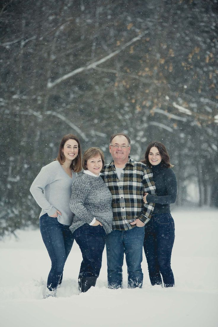 """""""We had a great time working with Sophia for some winter family photos! She was always available to answer questions, fun and easy-going to work with during the actual photo shoot, and has been very helpful in the follow-up choosing which photos to print. Would definitely recommend for whatever occasion you're looking at hiring a photographer for!"""" Owen Sound Photography 