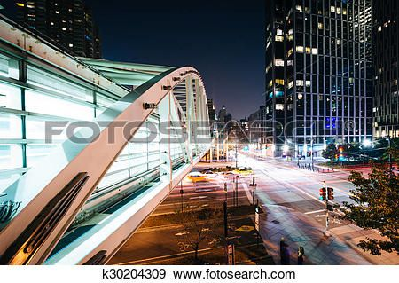 pont piétonnier, sur, 9A, soir, dans, manhattan inférieur, nouveau, York. Voir Image Grand Format