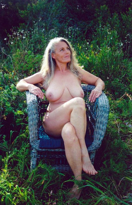 Youth erotic art photos