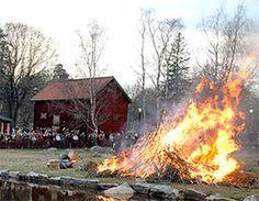 """""""Sköna maj välkommen till vår bygd igen"""" eller """"O, hur härligt majsol ler"""". Sångerna är många om vår favoritmånad - maj. Våren är i full gång, det är fest i luften och allting i naturen är så nytt och fint. Det börjar redan sista april, valborgsmässoafton, då är det fest, man tänder eldar och hälsar våren välkommen..."""