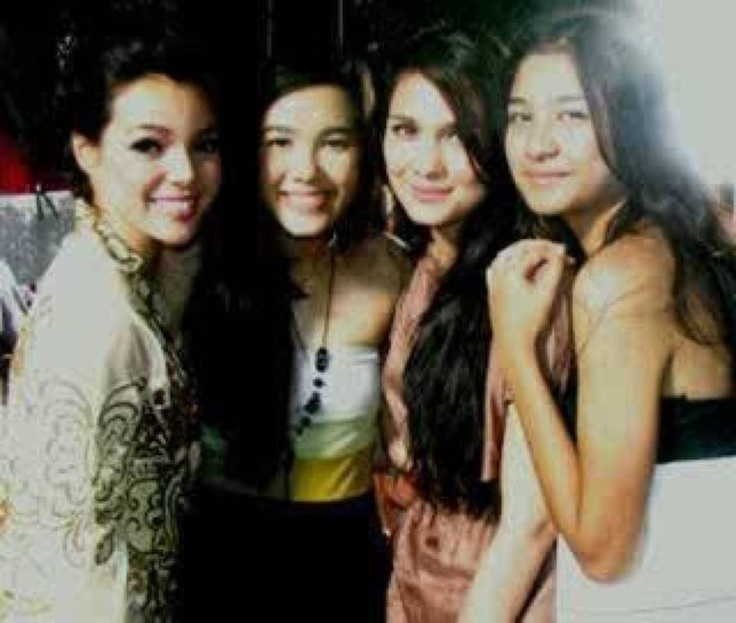 Mommy DS , Me , Bu Luna And Mikha