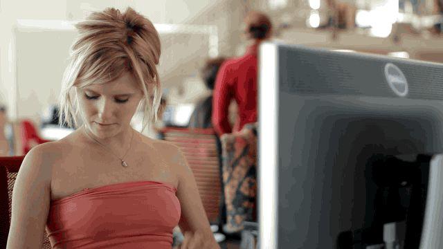 10 problemi che solo chi non porta il reggiseno davvero capisce -cosmopolitan.it