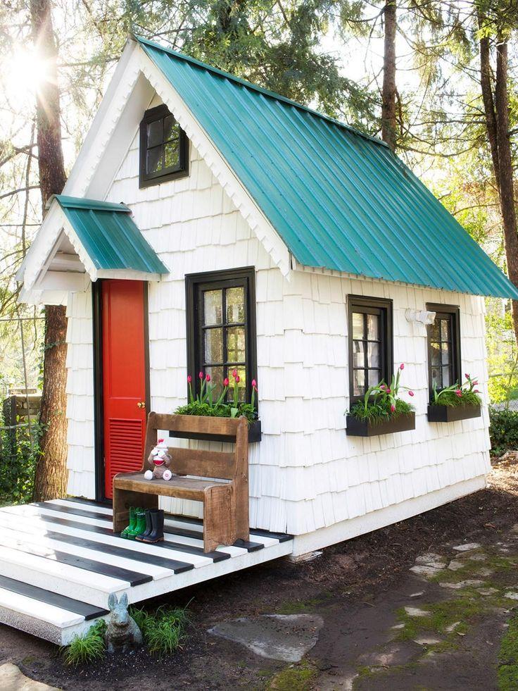 Красиво покрашенные дачные домики фото