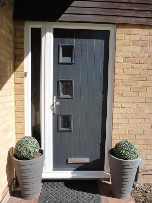 3 Square Glazed Composite Front Door in Grey