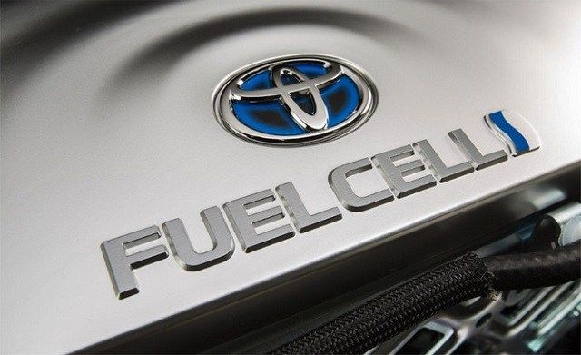 Toyota hydrogen fuel cell-powered semi truck