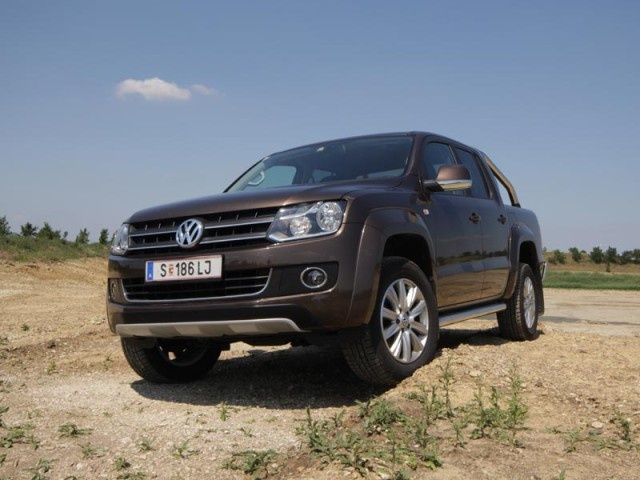 vw amarok dc highline 4x4 mit dem amarok hat vw nun auch. Black Bedroom Furniture Sets. Home Design Ideas