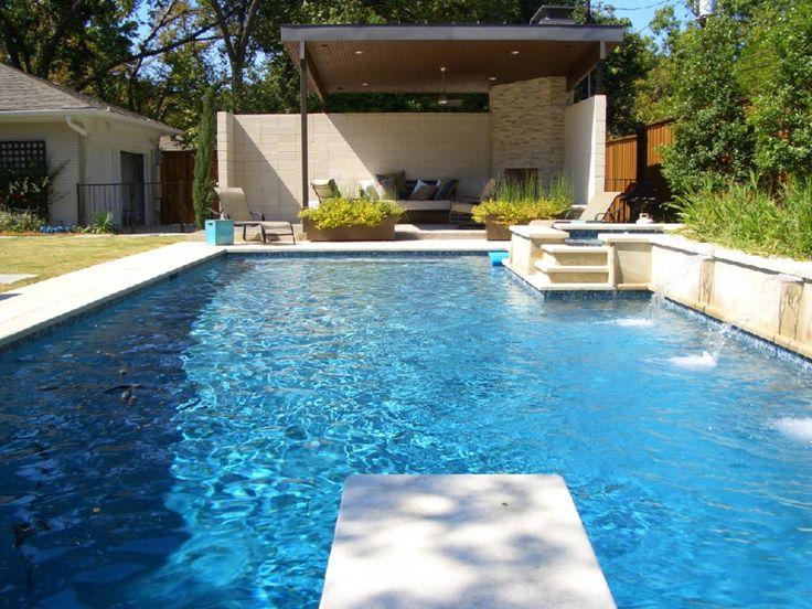 Garten Mit Pool Sprungbrett Sitzbereich Kamin Ueberdachung Wasserfall
