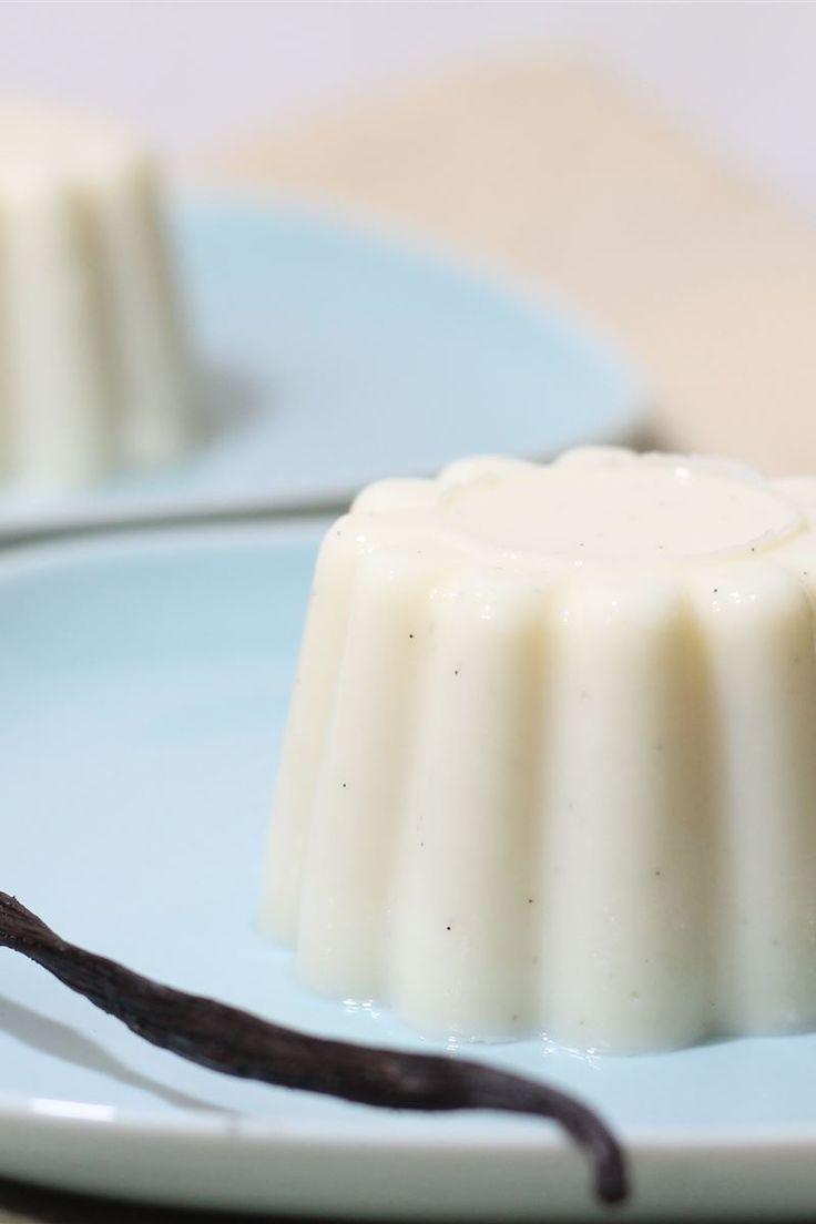 Il budino alla vaniglia è un dolce di consistenza gelatinosa a base di latte, zucchero e vaniglia con l'aggiunta di eventuali altri ingredienti a seconda della ricetta.  Il budino alla vaniglia prima di essere servito va posto in frigorifero nell'apposito stampo a solidificarsi; può essere gustato da solo o servito con della frutta fresca di stagione.