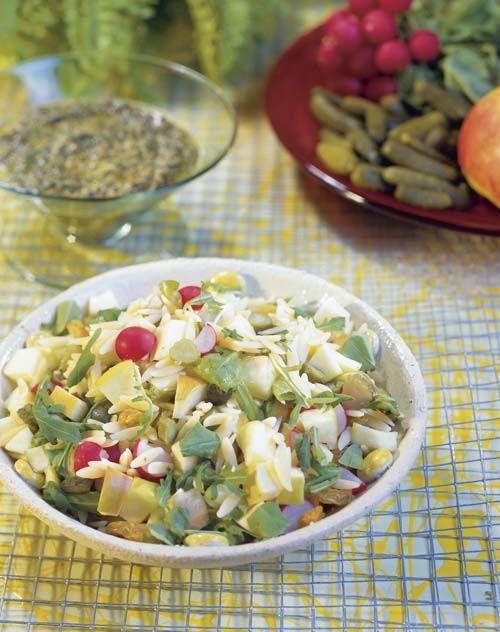 Frisse pastasalade met appelen en rucola