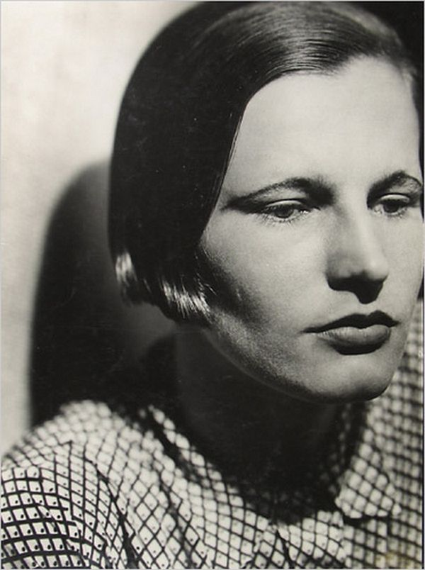 Jaromir Funke Portrait of a Woman with a bob , 1930 ( NYT/Howard Greenberg Gallery)