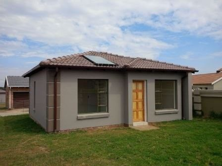 2 Bedroom House For Sale in Crystal Park