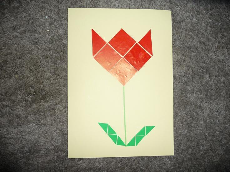 MAP : een tulp van mozaïekplakfiguurtjes