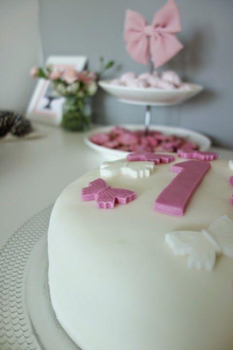 DecoDreamer's Diary: birthday, synttärit, syntymäpäivät, first birthday, ensimmäiset synttärit, party, kids, juhlat, lapset, pinkki, pink, cake, kakku, perhonen, butterfly, sokerimassa
