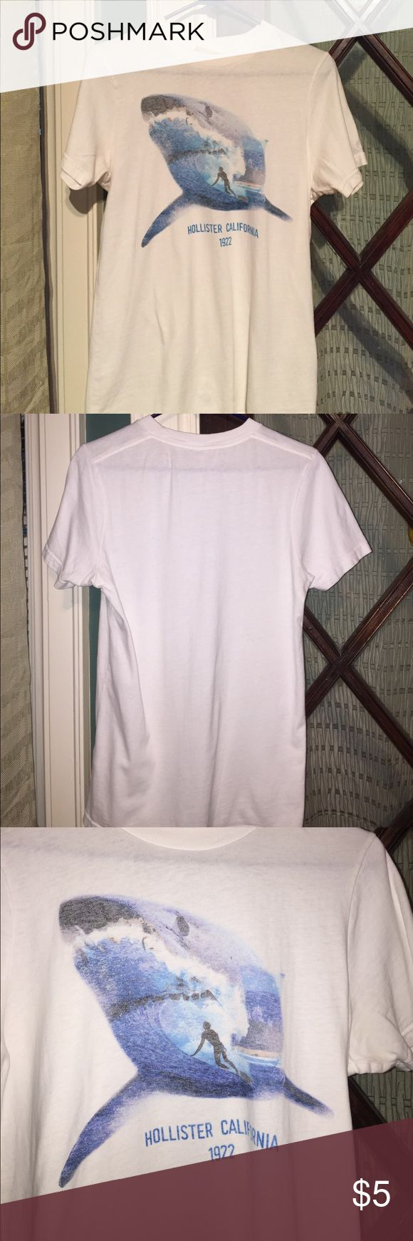 White Hollister Tshirt White Hollister Tshirt Hollister Shirts Tees - Short Sleeve