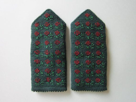 Knitted Mittens With Red Beads Flowers Winter by AnitasHandmade
