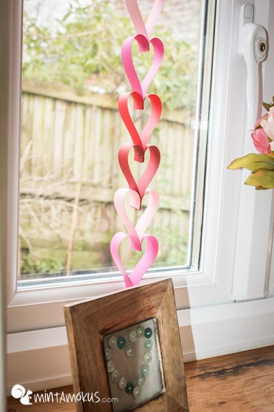 Simple paper decoration for Valentine's