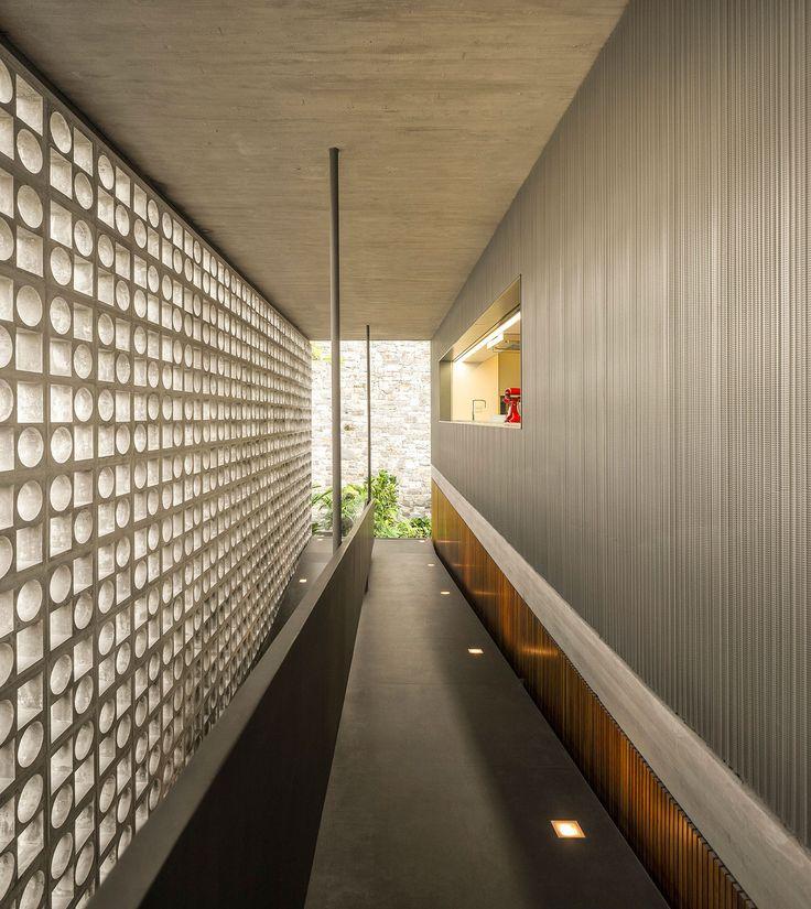 B+B House in Brazil by Studio MK27 - Marcio Kogan + Renata Furlanetto + Galeria Arquitetos | Yellowtrace
