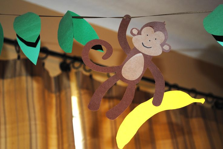 Monkey baby shower ideas for boys made her a diaper cake for Monkey bathroom ideas