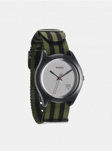 Want a simple timepiece? The Quad is perfect since it stands for the voice of simplicity. Sophistication is just a stack of simple elements in life and purity of basic things. Featuring 20 mm custom nylon or canvas band with stainless steel buckle.