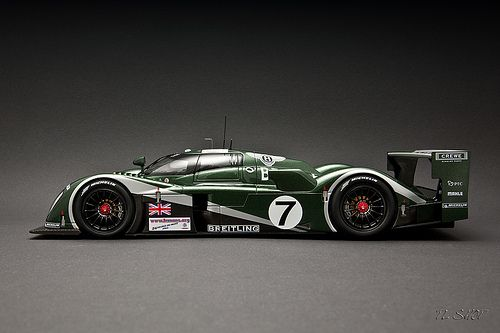 Autoart Bentley Speed 8 # 7 Winner Le Mans 2003