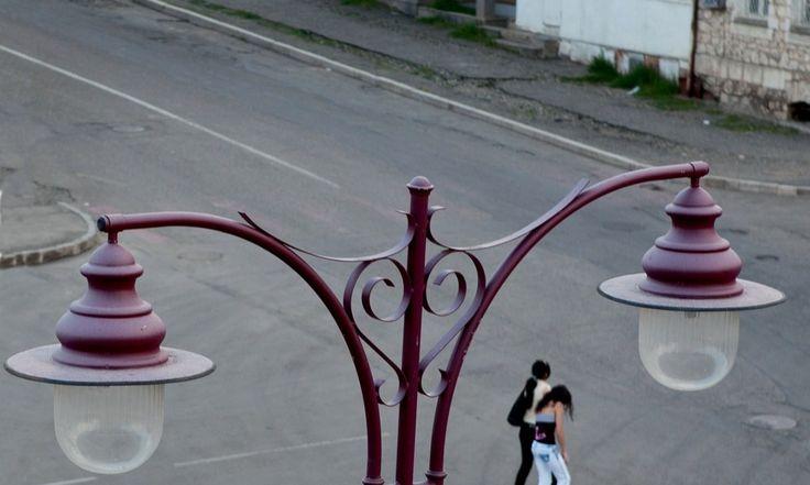 La capitale del Karabakh all'alba http://www.panorama.it/foto/grandi-fotografi/karabakh-giardino-segreto/#gallery-0=slide-4