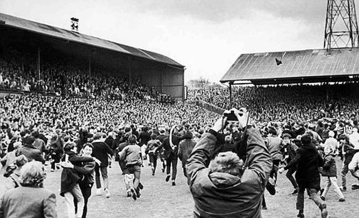 Manchester City (@MCFC) fans invade the pitch at St James Park as they win the title in 1968