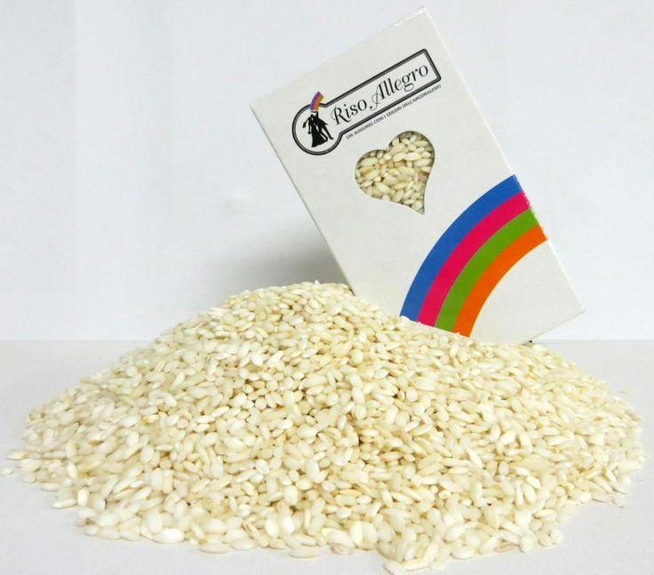 Riso Bianco Anti Macchia Il lancio del riso è di buon augurio per gli sposi!. Questo riso è perfetto per il tuo matrimonio ed in più non macchia i vestiti perchè non contiene amido. Confezione da 230 gr. - Matrimonio, Accessori Cerimonia, Riso, Petali e Coni -  http://www.dettagliperfetti.com/riso-petali-e-coni/5031-Riso-Bianco-Anti-Macchia.html -    Pacchetto da 230 gr di riso Allegro nella colorazione Bianco       Senza Amido non macchia.              Creato per esaltare, con la sua tipi