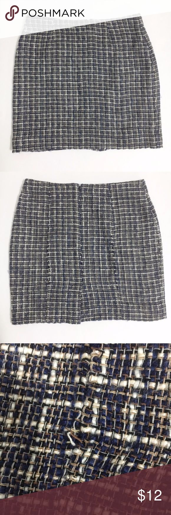 Banana Republic Checkered Pencil Skirt Size 6 Banana Republic Checkered Pencil Skirt Size 6  Dark blue and white woven checkered pencil skirt from Banana Republic. Zip closure down the back with a small slit on the back. Fully lined. Used in excellent condition, one small tear (pictured). Size 6.  Fabric Content: - Shell: 60% acrylic, 40% cotton - Lining: 95% polyester, 5% elastane Banana Republic Skirts Pencil