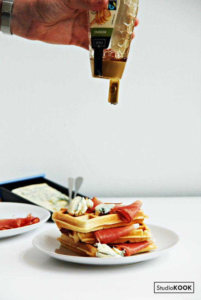 Basisrecept voor wafels. Gebruik dit recept voor zowel zoete, als hartige toppings! StudioKOOK Demi Hageman