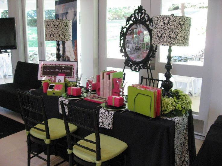 black and white wedding tablescapes | ... black and white tablescape , bridal show booth , true wedding events