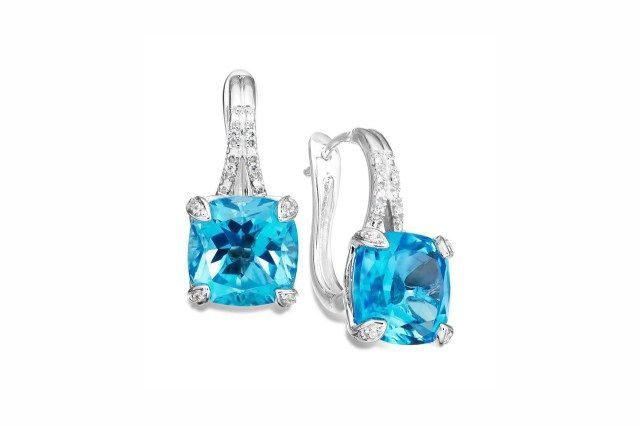 Guidelines on how to buy Diamond Earrings online. To read more visit at http://www.candere.com/jewellery/womens-diamond-earrings.html