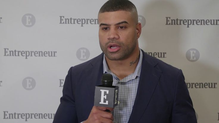 Watch This NFL Player Turned Entrepreneur Explain How He Keeps Challenges in Perspective | Lights Out Brand founder and CEO Shawne Merriman shares his internal monologue during tough times.  http://ift.tt/2Bt2vmD